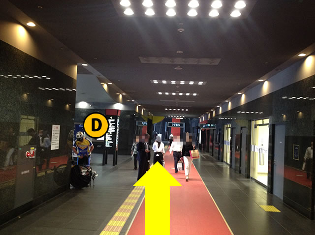 JR京都駅中央口から2番目に近いコインロッカーへの道順01