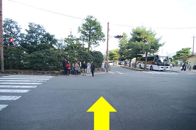 金閣寺から最寄りのバス停への行き方道順03
