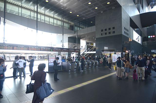 JR京都駅中央口(烏丸口)前