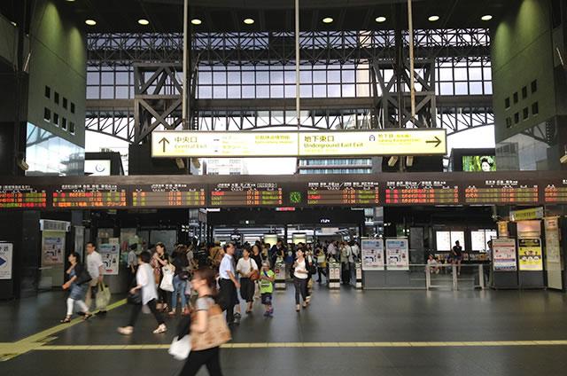 JR京都駅中央口(烏丸口)改札内