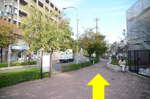 JR太秦駅から東映太秦映画村までの道順行き方03