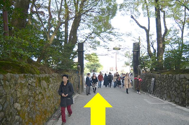 金閣寺から最寄りのバス停への行き方道順01