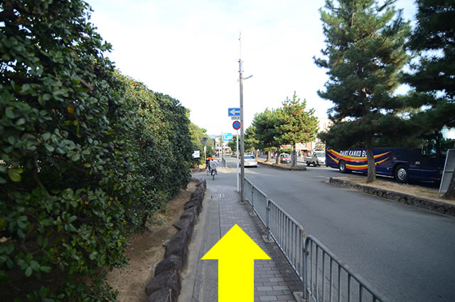 金閣寺から最寄りのバス停への行き方道順04