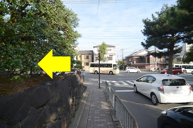 金閣寺から最寄りのバス停への行き方道順05