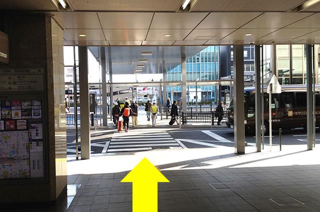 JR京都駅から京お宿 こことまろへの最速アクセス行き方02