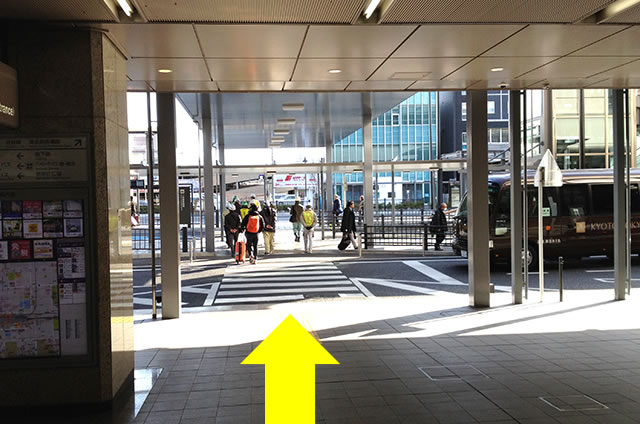JR京都駅からサクラテラス ザ ギャラリーステーションホテルへの最速アクセス行き方02