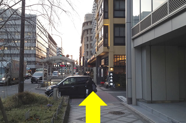 JR京都駅から京都 新阪急ホテルへの最速アクセス行き方道順07