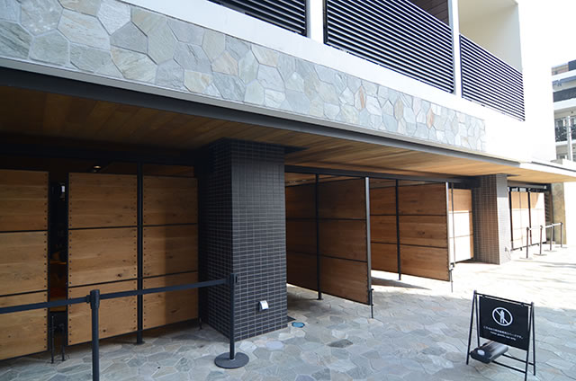 サクラテラス ザ ギャラリーホテルの入口