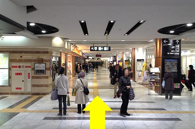 京都駅直結の京都っぽいランチ・京料理「萬重」への写真付行き方道順07