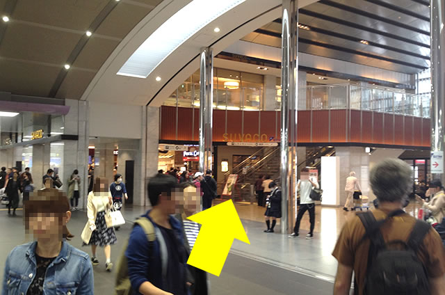 京都駅直結の京都っぽいランチ・茶そば甘味「中村藤吉」への写真付行き方道順10