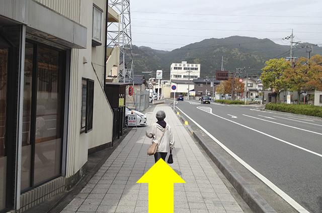 JR京都駅から映画「曇天に笑う」の聖地巡礼日吉東照宮への行き方07
